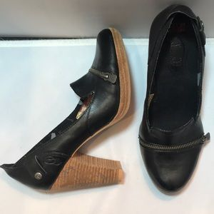 London Underground 8 stacked heel zipper pump NEW